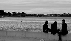Friends on the quay (patrick_milan) Tags: plouguin ploudalmezeau portsall kersaint landunvez landeda lannilis treglonou saintpabu pabu noiretblanc blackandwhite noir blanc monochrome nb bw black white landscape sea mer iroise water saint brittany bretagne porsall finistre street rue people personne gens streetview fminin femal femme woman women girl fille belle beautiful portrait face candide