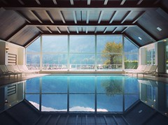 THE VIEW (VINCENT MOYASHI) Tags: austria schlosspichlarn pool indoor cool water special beautiful relax europe summer
