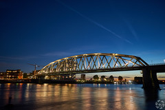 Railway Bridge (PaaulDvD) Tags: nijmegen nimgue holland netherlands landscape paysage night light sunset lumire nuit waal rhin river water