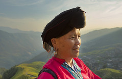 yao lady/pingan village (ANOTHER DAY AT THE OFFICE) Tags: yao people longji guangxi pingan village traditional clothing black hair travel china paddy fields rice terraces guide tour beauty