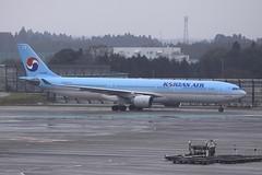 HL7525 Airbus A333 NRT 03Dec12 (Citation Ten) Tags: hl7525 a333 kal nrt