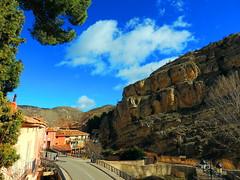 Albarracn (Teruel) (sebastinaguilar) Tags: 2016 teruel aragn calles paisajeurbano carreteras rocas acantilados espaa