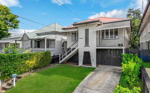 32 Swan Tce, Windsor QLD 4030