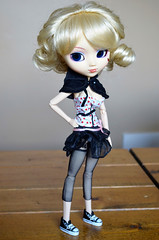 Walk With Me (WhatIfChris) Tags: juliet uncanricky pullip junplanning groove doll