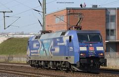 152 136-8 DB Schenker (vsoe) Tags: railroad train harbor hamburg engine eisenbahn railway hafen bahn lok züge güterzug güterzugstrecke