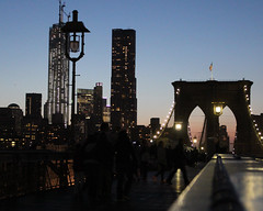 Walking the Brooklyn Bridge (Oquendo) Tags: new york city bridge urban primavera brooklyn landscape puente spring structures paisaje urbano nueva urbanas estructuras oquendo 2013
