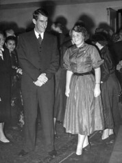 Kroonprinses Beatrix en sir Edmund Hillary / Crown Princess Beatrix and Sir Edmund Hillary (Nationaal Archief) Tags: alpinisme bergbeklimmers vorsten kroonprinsessenhaarlemnederland