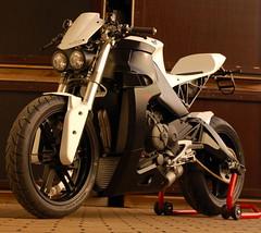 7-10025-erik_buell_racing_1190_typhon