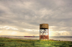 WW2 Observation Tower (Bill Robinson / kinderbill) Tags: riverthames