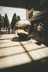2016157 (gwagwa) Tags: street japan people japanese station nikkor 20mm f28s shadow