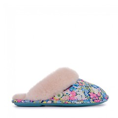 Violet - Liberty Art Fabric Mule Slippers - Baby Blue / Rose Pink Ditsy Floral (Bedroom Athletics) Tags: slipper slippers liberty violet bedroom branded bed button blue belt brand covered dvds ever navy lovely savannah rebellious relaxed raglan emily 34 with white what pom patch print pocket pouch pants products purple produc quality aquarelle womens whisper waist wall winter web washed bedroomathletics athletics room loungewear clothing women's nightwear style look fashion fashionable stylish warm buy lady woman warmth lush nice gift new comfy cosy indoors chillout fur faux