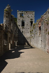 Shadows of the Ruins (CoasterMadMatt) Tags: portchestercastle2016 portchestercastle portchester castle ashtonstower ashtons tower ruin ruins medievalcastle fortress englishcastles castles history englishheritage heritage property hampshire hamps southeastengland england britain greatbritain gb unitedkingdom uk july2016 summer2016 july summer 2016 coastermadmattphotography coastermadmatt photos photography nikond3200