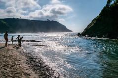 La ra del Esva (ccc.39) Tags: asturias valds canero esva ro ra cantbrico desembocadura contraluz arena corriente