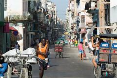 Calle Neptuno (Lloyd Hunt) Tags: cuba havana lahabana strret busy cart nikon d7100