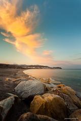 Brochazos de luz (juanma pelegrin) Tags: juanma pelegrin photographer fotografo fotografa photography paisaje landscape atardecer playa costa rocas filtros filter haida hitech lee polarizador carboneras almeria
