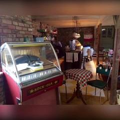 Vi besker Maggans #Caf #Retro #Loppis utmed #vg126 ett par km sder om #Alvesta #nostalgi med hg #mys faktor. Dela grna.  (svenskvagguide) Tags: caf retro loppis vg126 alvesta nostalgi mys