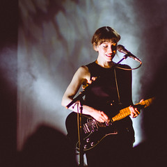 Daughter @ Le Trianon, Paris | 17.10.2016 - http://hanaofangel.com (hanaofangel) Tags: daughter live concert band gig paris le trianon bw elena elenatonra igorhaefeli remiaguilella uk indie not disappear tour fall winter 2016 france europe
