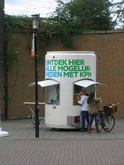 KPN (streamer020nl) Tags: streetphotography kpn javastraat trailer amsterdam 2016 111016 11oct16 holland nl nederland netherlands niederlande paysbas oost amsterdamoost