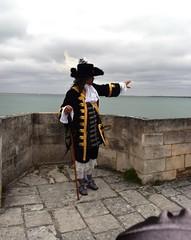Vauban en personne  la citadelle (ee) Tags: europethebestphotos patrimoines charentemaritime viaduc doucefrance couleursdolron vauban citadelle atlantique arsenal 1685 chteaudolron