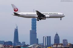 Japan Airlines Boeing 767-346(ER) | JA652J (HarenWang) Tags:   taiwan taipei taipei101 101 travel fly flying veiw views trip traveling photography  airport aircraft taipeisongshanairport tsa songshan     international        japan airlines boeing 767346er ja652j japanairlines    b767 767