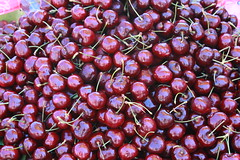 San Francisco 2016 (timkeaty) Tags: fruit fruitstand cherries