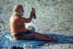 Starting a new day (Stefano@59 Ph.) Tags: beach alcool bottle clochard