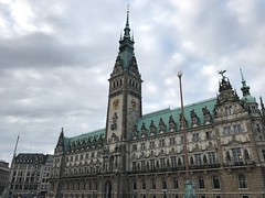 The Hamburg Rathaus, seat of the government, constructed from 1886 to 1897. (arwed.kubisch1) Tags: hamburg hanseatic hansestadt cloudy clouds wolkig wolken sky himmel town hall rathaus government regierung parliament parlament