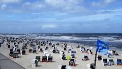 Wangerooge, crowdy beach (Alta alatis patent) Tags: wangerooge beach crowdy flag