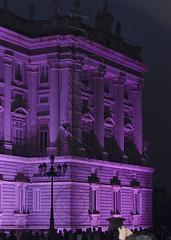 Lilas para el Palacio (mArregui) Tags: nikon wwwarreguimeluscom marregui palacio palacioreal morado lila color colorlila madrid luz luces juegodeluces arquitectura edificio
