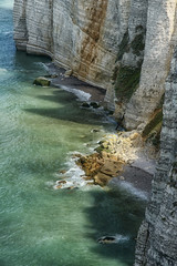 The cliffs (marko.erman) Tags: normandie normandy france etrtat cliffs falaises natural arch nature beautiful beach shore ocean sea atlantic water sky horizon perspective wide angle pov travel popular landscape panorama depth extrieur paysage eau falaise falaisedamont amontscliff