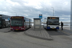Qbuzz 3518 (Mercedes Benz Citaro) & Arriva 8691 (VDL Citea) ([Publicer Transport] Ricardo Diepgrond) Tags: vdl citea 15m meter 3 asser 15meter 8691 holwert veerhaven terminal arriva fryslan friesland mercedes benz citaro qbuzz bus streekvervoer