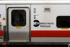 Metro North at Stamford (dangaken) Tags: 2016 transit train transportation rail travelbytrain commutertrain nyc newyorkcity newyorkny ny newyork metronorth metronorthrailroad hudsonline mta metropolitantransitauthority stamford grandcentral grandcentralterminal gtc