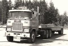 Mack F700 (FL?) (PAcarhauler) Tags: mack truck semi tractor trailer coe