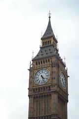 Big Ben and Elizabeth Tower (Joybot) Tags: london uk unitedkingdom embankment people bigben tower clock bell landmark housesofparliament parliament time elizabethtower chime halfpastfour fourthirty 430 1630