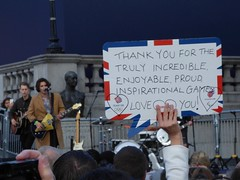 A message for the athletes (Suede Bicycle) Tags: olympics rio rioolympics rio2016 olympicgames heroeswelcome trafalgarsquare summerolympics olympicparade paralympics rioparalympics