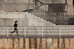 Bilbao. 2014. (Jose_Prez) Tags: bilbao running color street streetphoto correr ria nervion deusto