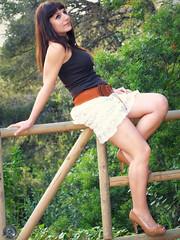 Laia (_Paperboy_) Tags: summer hot sexy primavera canon pose photography photo model moda olympus modelo bosque verano otoo mayo sexys sonrisa fotografia posando laia morena horta falda laberinto photografer 2013