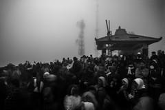 Never comming sunrise - Bromo, Indonesia (pas le matin) Tags: bw nb blackandwhite noiretblanc travel voyage world sun sunrise fog brouillard mist morning matin bromo tourists touristes volcano indonesia indonsie dark sombre monochrome canon 7d canon7d canoneos7d asia asie southeastasia