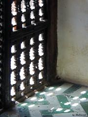 Play of light (Shahrazad26) Tags: madrasacherratine fs fez fselbali medina marokko maroc morocco raam fentre fenster window