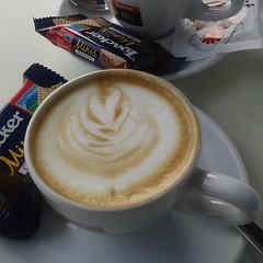 In due (martini_bianca) Tags: macchiato loacker caff coffee tasse tassen tazza tazze milch muster martinibianca