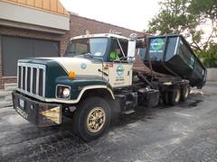 Groot Industries 1061 (B.Loomis) Tags: grootindustries garbagetruck groot international rolloff