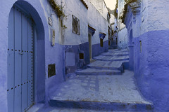 Chefchaouen - Morocco (wietsej) Tags: sonya3000dlsr sony1018mmf4wideanglezoomlens chefchaouen morocco blue street sel1018