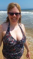 Sue At The Beach (Joe Shlabotnik) Tags: galaxys5 august2016 2016 sue beach montauk cameraphone ocean justsue faved