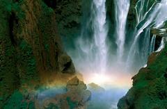 橄榄树瀑布,位于亚特拉斯山西部。