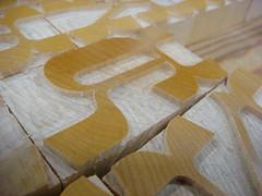 Freshly cut Brylski (Nick Sherman) Tags: macro wi typecon woodtype tworivers hamiltonwoodtypeprintingmuseum brylski typecon2012