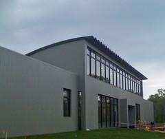 metal-building-ross-school-tennis-facility-steelmaster-roofing