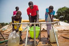 New displacement in Juba (Albert Gonzalez Farran) Tags: idp idpcamp un unicef child children conflict delegationvisit displacement violence war juba jubek southsudan