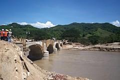 Puente Papagayo en reconstruccin (Rubn HPF) Tags: guerrero tunel agua obispo mexico acapulco autopista rio papagayo puente mezcala zapote