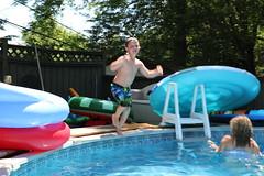 1E7A5412 (anjanettew) Tags: swimming diving kids pool summer fun twins sillykids splashing babypool