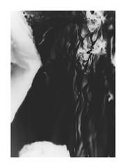 ...Die Gestalt, die aus dem dunklen Land fand... (One-Basic-Of-Art) Tags: dark darkness darker dunkeheit gestalt dunkel dster finster finsternis schwarz weis weiss schwarzundweis sw bw blackandwhite black white fotorahmen weiserrahmen rahmen schatten person geist noiretblanc noir blanc 1basicofart annewoyand anne woyand art artwork creative kunst kunstwerk photoart fotoart fotografie photography ohoto foto canon idea idee